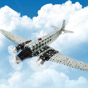 10125_Profi_Flygplan_snett_fram_himmel_1